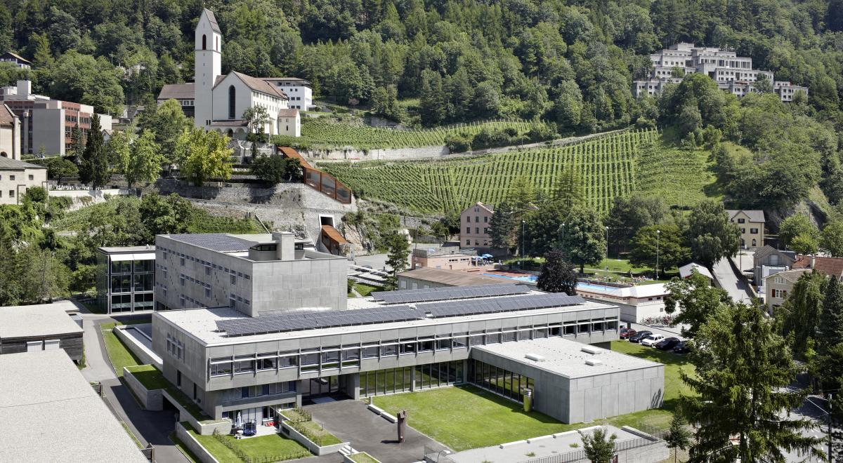 Chur Cleric Kantonsschule 1