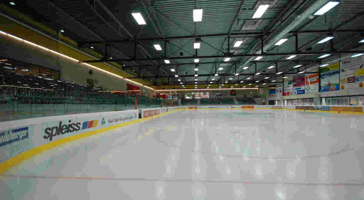 Web Schaffhausen Iwc Eissportanlage Arena Foto5