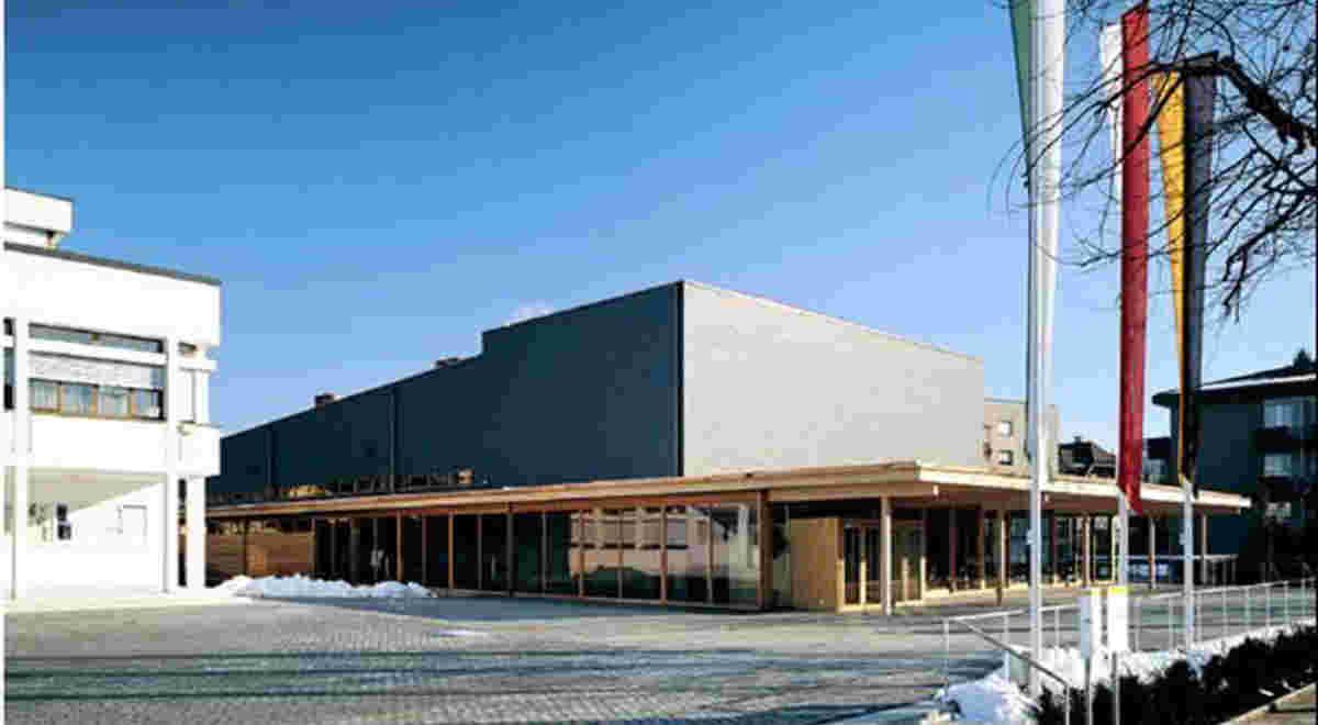 Gemeindesaal Mit Turnhalle
