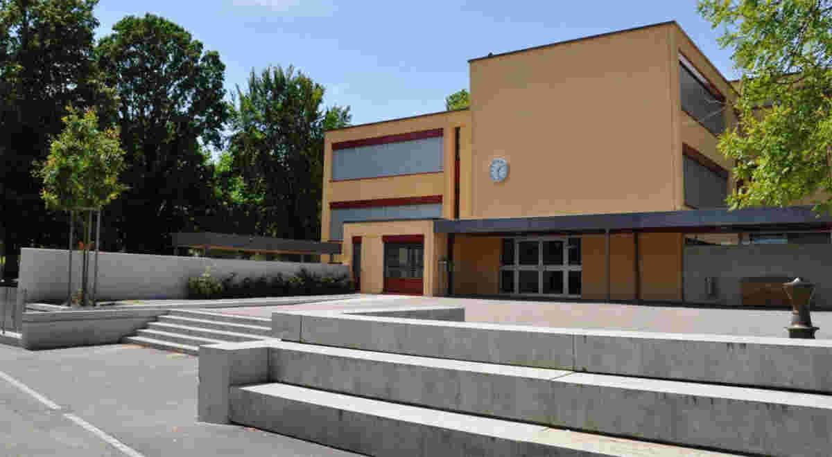 Schlieren Schulhaus Zelgli