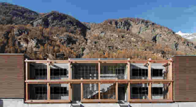 Web Taesch Matterhorn Terminal Foto3